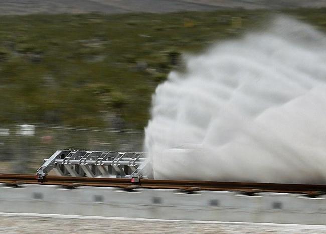 超级高铁首测成功 速度超过飞机接近音速